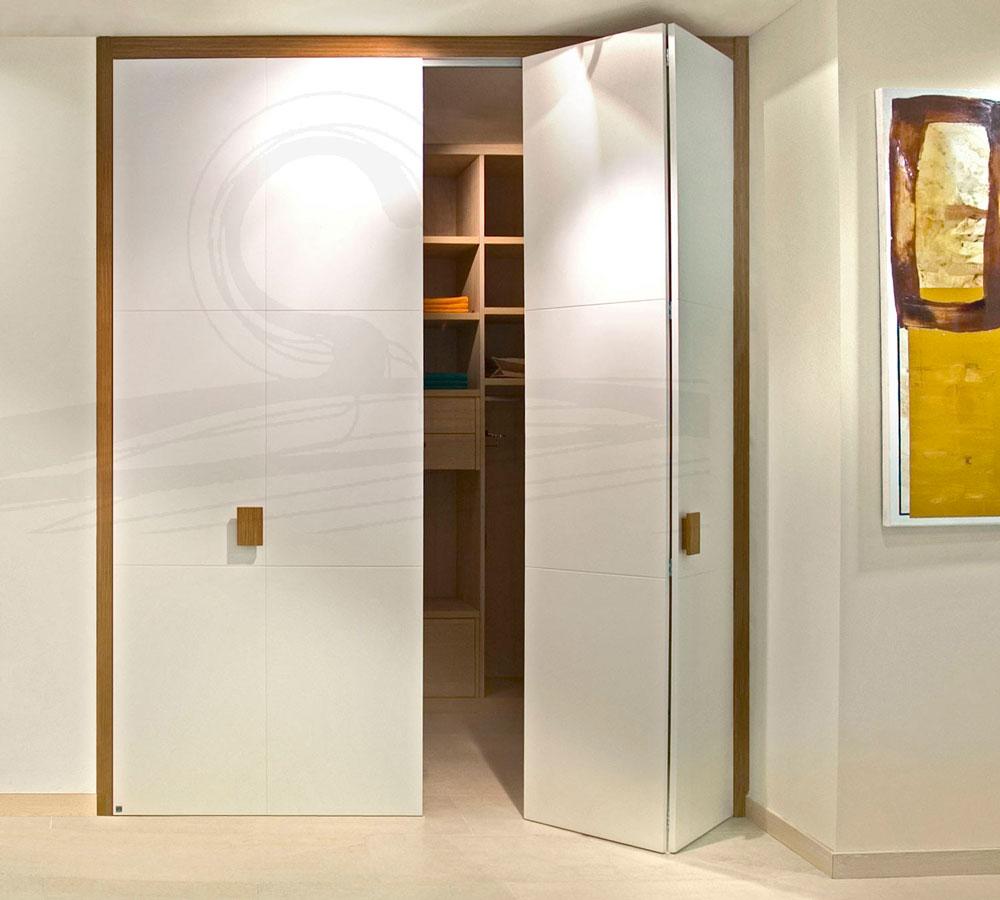 Armarios abatibles y plegables a medida interni home for Ver modelos de puertas de madera